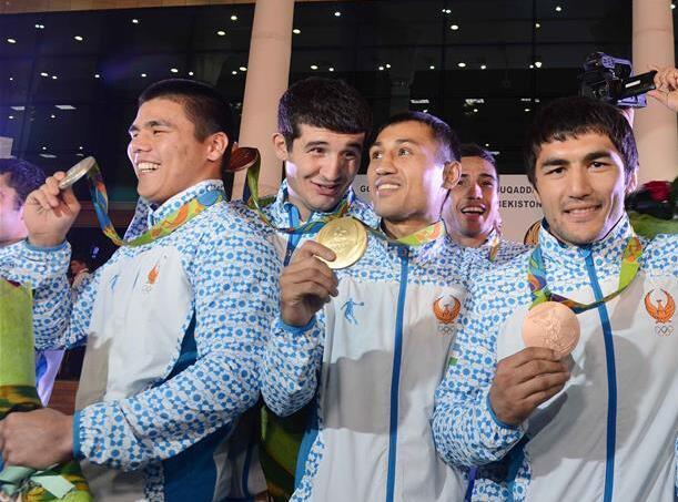 乌兹别克斯坦欢迎奥运选手回国