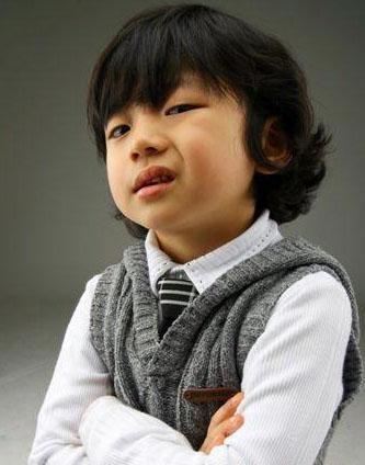 韩国幼童星王锡玄穿衣经图片