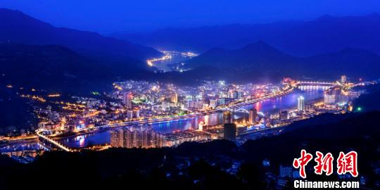 青田县城夜景。青田县旅委 供图