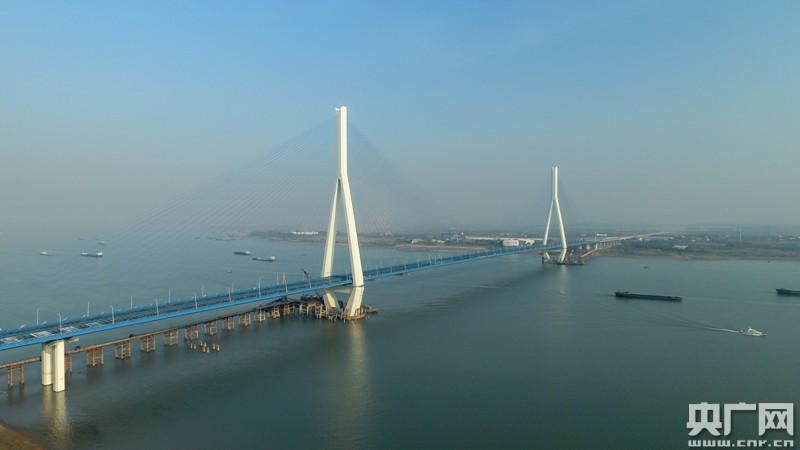 最寬長江大橋——武漢沌口長江公路大橋建成通車
