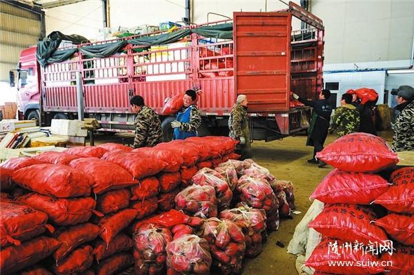 春节市场生活必需品货源充足